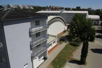 Budova školy ISŠA